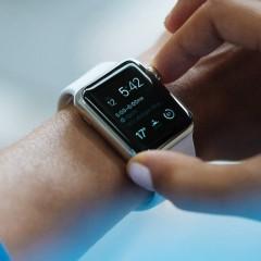 Uczelnie zakazują wnoszenia zegarków na egzaminy